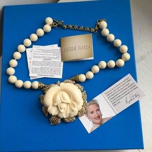 Heidi Daus new in box ivory rose necklace